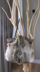 Accessoire de sac en fourrure de Coyote naturel