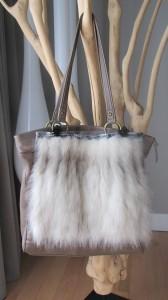 Accessoire de sac Renard blanc et cuir bleu pale